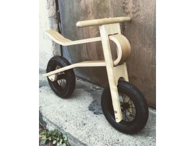 10 collu koka līdzsvara velosipēds ražots Latvijā